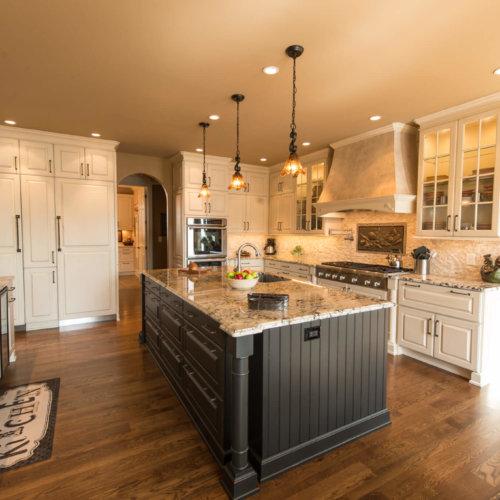 Lakehouse Retreat Kitchen